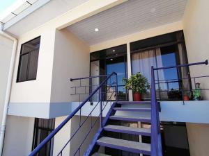 Apartamento En Alquileren Guadalupe, Goicoechea, Costa Rica, CR RAH: 21-155