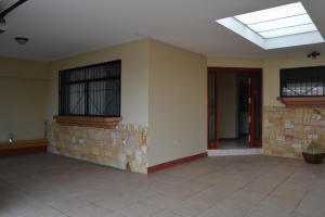 Casa En Ventaen San Francisco De Heredia, Heredia, Costa Rica, CR RAH: 21-162
