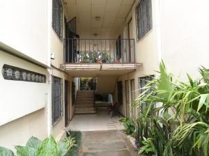 Apartamento En Alquileren Sabanilla, Montes De Oca, Costa Rica, CR RAH: 21-185