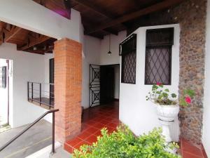 Apartamento En Alquileren Moravia, Moravia, Costa Rica, CR RAH: 21-186