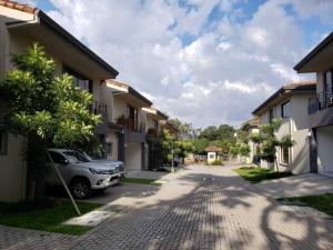 Casa En Ventaen Piedades, Santa Ana, Costa Rica, CR RAH: 21-211