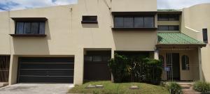 Casa En Alquileren Sabana, San Jose, Costa Rica, CR RAH: 21-219