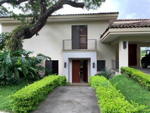 Casa En Ventaen San Antonio, Escazu, Costa Rica, CR RAH: 21-225