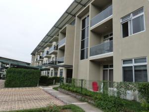 Apartamento En Alquileren Santa Ana, Santa Ana, Costa Rica, CR RAH: 21-226