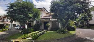 Casa En Ventaen Santa Ana, Santa Ana, Costa Rica, CR RAH: 21-240