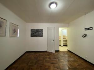 Apartamento En Alquileren Rohrmoser, Pavas, Costa Rica, CR RAH: 21-243