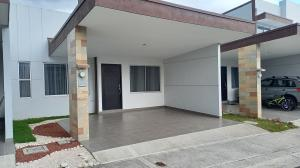 Casa En Alquileren Cartago Centro, El Guarco, Costa Rica, CR RAH: 21-251