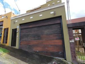Casa En Ventaen Lomas De Ayarco Sur, Curridabat, Costa Rica, CR RAH: 21-250