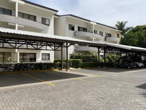 Apartamento En Alquileren Santa Ana, Santa Ana, Costa Rica, CR RAH: 21-265