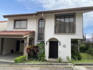 Casa En Alquileren San Rafael Escazu, Escazu, Costa Rica, CR RAH: 21-272