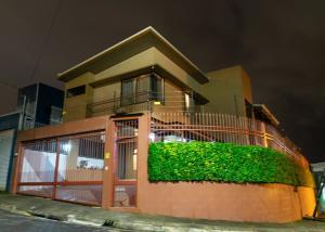 Casa En Ventaen Lomas De Ayarco Sur, Curridabat, Costa Rica, CR RAH: 21-275