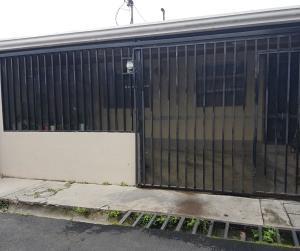Casa En Ventaen Curridabat, Curridabat, Costa Rica, CR RAH: 21-355