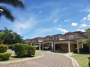 Casa En Alquileren Guachipelin, Escazu, Costa Rica, CR RAH: 21-382