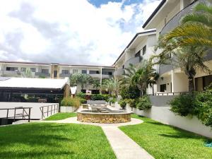 Apartamento En Alquileren Santa Ana, Santa Ana, Costa Rica, CR RAH: 21-372