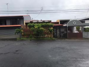 Casa En Ventaen Rohrmoser, Pavas, Costa Rica, CR RAH: 21-385