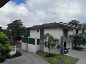 Casa En Ventaen Piedades, Santa Ana, Costa Rica, CR RAH: 21-209
