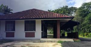Local Comercial En Alquileren Piedades, Santa Ana, Costa Rica, CR RAH: 21-439