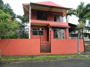 Casa En Alquileren Belen, Belen, Costa Rica, CR RAH: 21-445