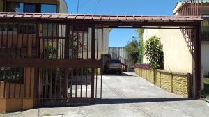 Apartamento En Alquileren Curridabat, Curridabat, Costa Rica, CR RAH: 21-454
