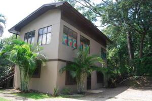 Apartamento En Alquileren Santa Ana, Santa Ana, Costa Rica, CR RAH: 21-466