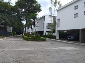 Casa En Ventaen Pozos, Santa Ana, Costa Rica, CR RAH: 21-511