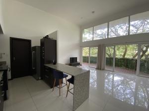 Apartamento En Alquileren Santa Ana, Santa Ana, Costa Rica, CR RAH: 21-528