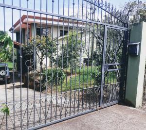 Casa En Ventaen Desamparados, Alajuela, Costa Rica, CR RAH: 21-561