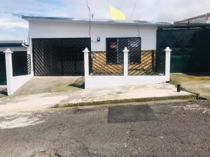Casa En Ventaen Guadalupe, Goicoechea, Costa Rica, CR RAH: 20-160