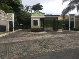 Casa En Ventaen Guachipelin, Escazu, Costa Rica, CR RAH: 21-1197