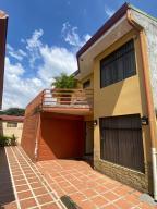 Casa En Ventaen San Joaquin De Flores De Heredia, Flores, Costa Rica, CR RAH: 21-597