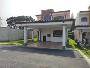Casa En Ventaen San Isidro, San Isidro, Costa Rica, CR RAH: 21-121