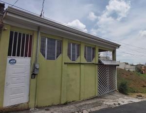 Casa En Ventaen Dulce Nombre - La Union, Vazquez De Coronado, Costa Rica, CR RAH: 21-705