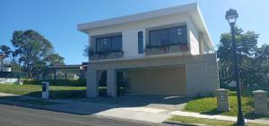 Casa En Ventaen San Francisco De Heredia, Heredia, Costa Rica, CR RAH: 21-712