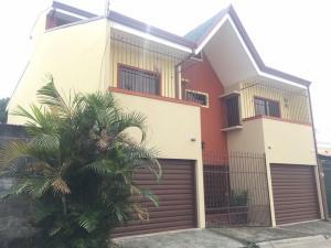 Casa En Ventaen Santo Domingo, Santo Domingo, Costa Rica, CR RAH: 21-740