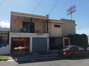 Casa En Alquileren Pavas, San Jose, Costa Rica, CR RAH: 21-747