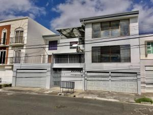 Apartamento En Ventaen Sabana, San Jose, Costa Rica, CR RAH: 21-750