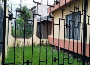 Casa En Ventaen Rohrmoser, Pavas, Costa Rica, CR RAH: 21-751