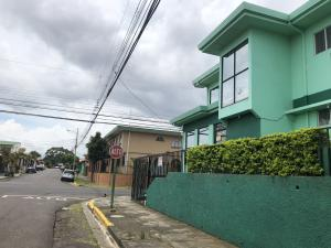 Casa En Ventaen Guadalupe, Goicoechea, Costa Rica, CR RAH: 21-756