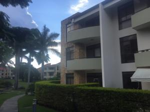 Apartamento En Alquileren Rio Oro, Santa Ana, Costa Rica, CR RAH: 21-774