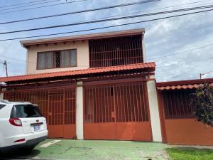 Casa En Ventaen Tibas, Tibas, Costa Rica, CR RAH: 21-807