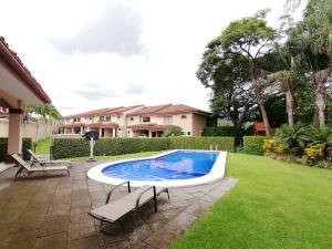 Casa En Ventaen Santa Ana, Santa Ana, Costa Rica, CR RAH: 21-816