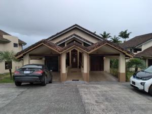 Casa En Alquileren San Antonio, Escazu, Costa Rica, CR RAH: 21-817