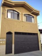 Casa En Ventaen Alajuela Centro, Alajuela, Costa Rica, CR RAH: 21-828