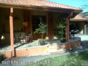 Casa En Ventaen Santa Ana, Santa Ana, Costa Rica, CR RAH: 21-834