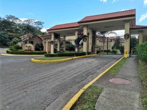 Casa En Alquileren San Juan, La Union, Costa Rica, CR RAH: 21-867
