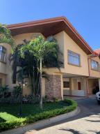 Casa En Ventaen Guachipelin, Escazu, Costa Rica, CR RAH: 21-874