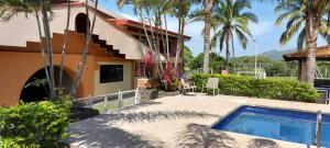 Casa En Ventaen Turrucares, Alajuela, Costa Rica, CR RAH: 21-878