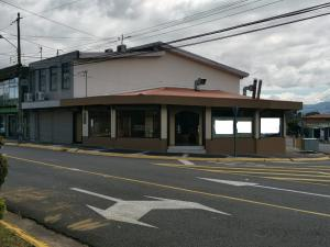 Local Comercial En Ventaen San Francisco, Heredia, Costa Rica, CR RAH: 21-752