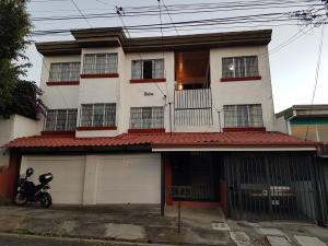 Apartamento En Alquileren Pavas, San Jose, Costa Rica, CR RAH: 21-890