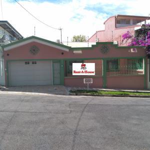 Casa En Ventaen Rohrmoser, Pavas, Costa Rica, CR RAH: 21-893